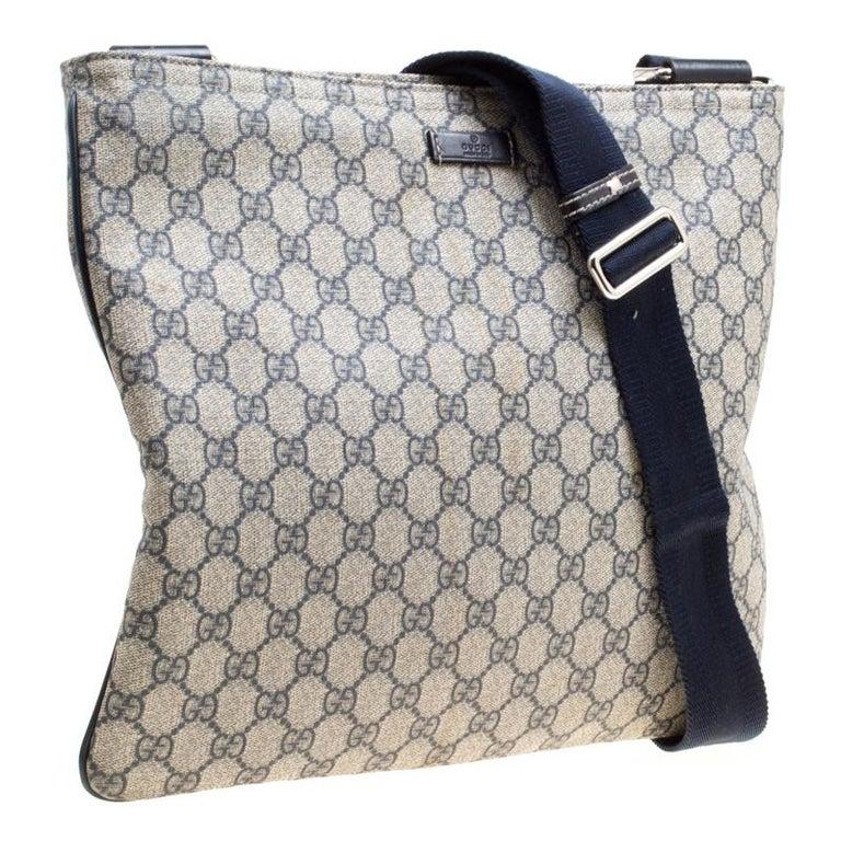 50f003050 Gucci Beige/Blue GG Supreme Canvas Messenger Bag For Sale at 1stdibs