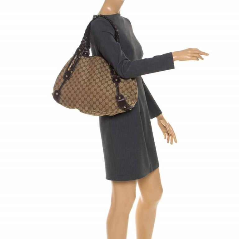 Gucci Beige/Brown GG Canvas and Leather Medium Pelham Shoulder Bag In Good Condition For Sale In Dubai, Al Qouz 2