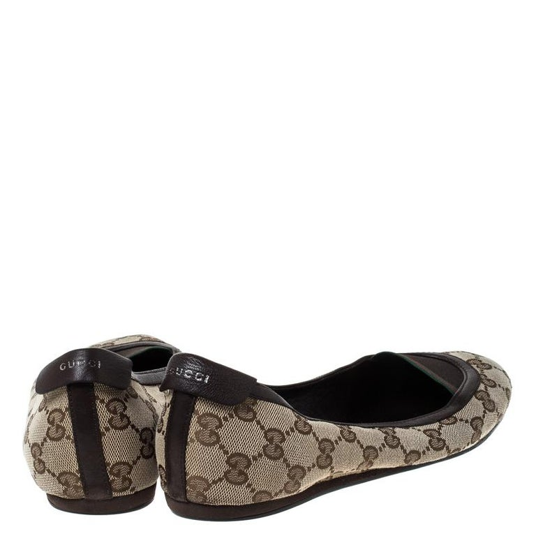 Women's Gucci Beige/Brown GG Canvas and Leather Web Ballet Flats Size 39 For Sale