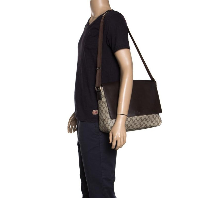 Black Gucci Beige/Brown GG Surpreme Canvas and Leather Messenger Bag For Sale