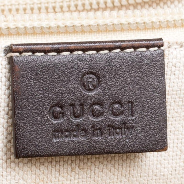 Men's Gucci Beige/Brown GG Surpreme Canvas and Leather Messenger Bag For Sale