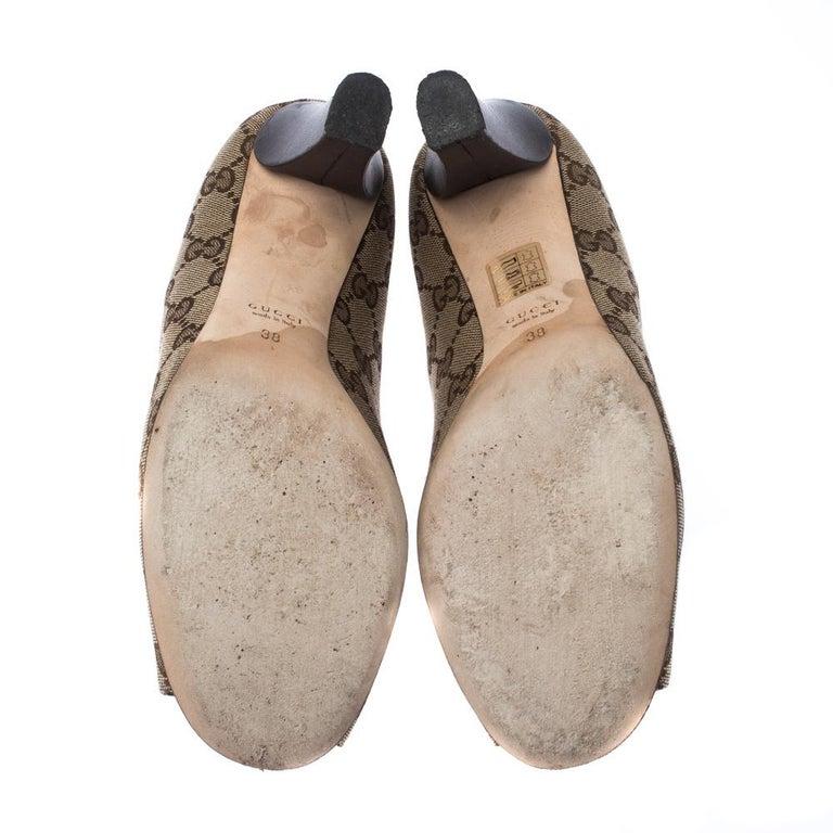 Women's Gucci Beige/Brown Monogram Canvas GG Peep Toe Pumps Size 38