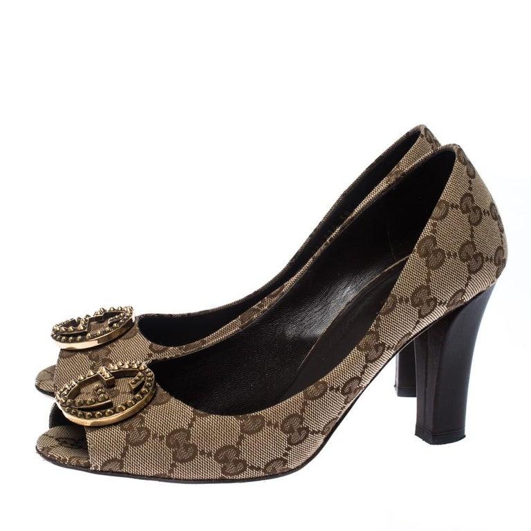 Gucci Beige/Brown Monogram Canvas GG Peep Toe Pumps Size 38 3
