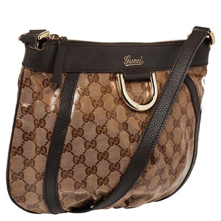 Gucci Beige/Brown Patent Leather and Leather Abbey D-Ring Crossbody Bag In Good Condition For Sale In Dubai, Al Qouz 2
