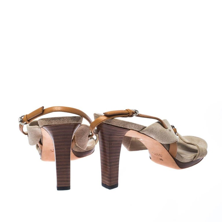 Gucci Beige Canvas Bamboo Horsebit Slingback Sandals Size 40 In Good Condition For Sale In Dubai, Al Qouz 2