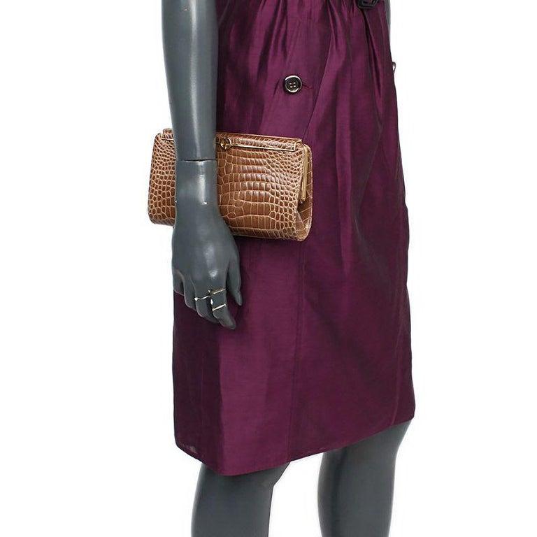 Beige GUCCI beige CROCODILE Clutch Bag VINTAGE For Sale