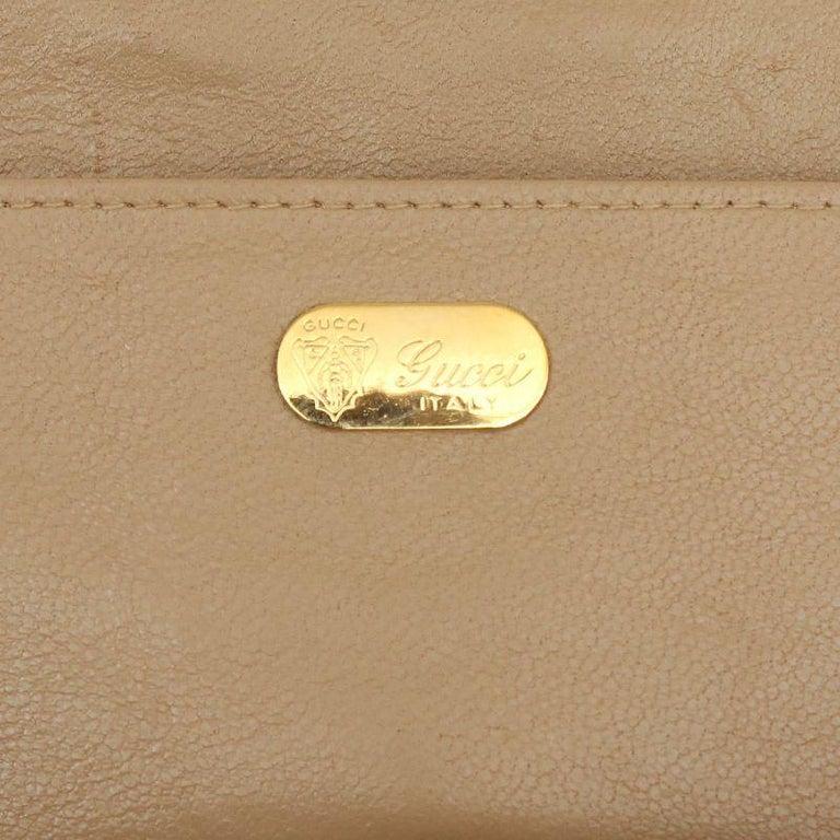 Women's GUCCI beige CROCODILE Clutch Bag VINTAGE For Sale