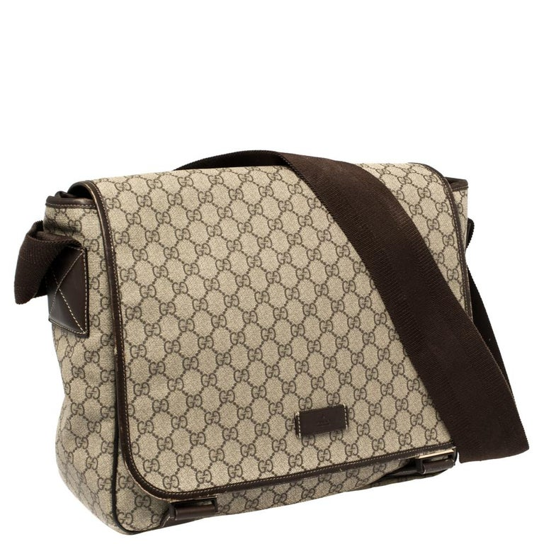 Brown Gucci Beige/Ebony GG Supreme Canvas and Leather Messenger Diaper Bag For Sale
