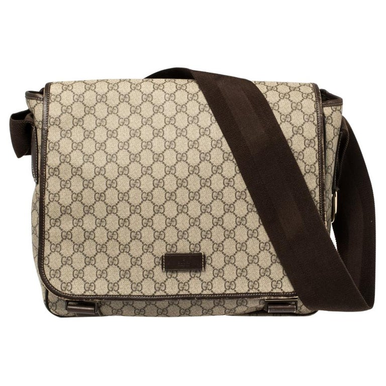 Gucci Beige/Ebony GG Supreme Canvas and Leather Messenger Diaper Bag For Sale