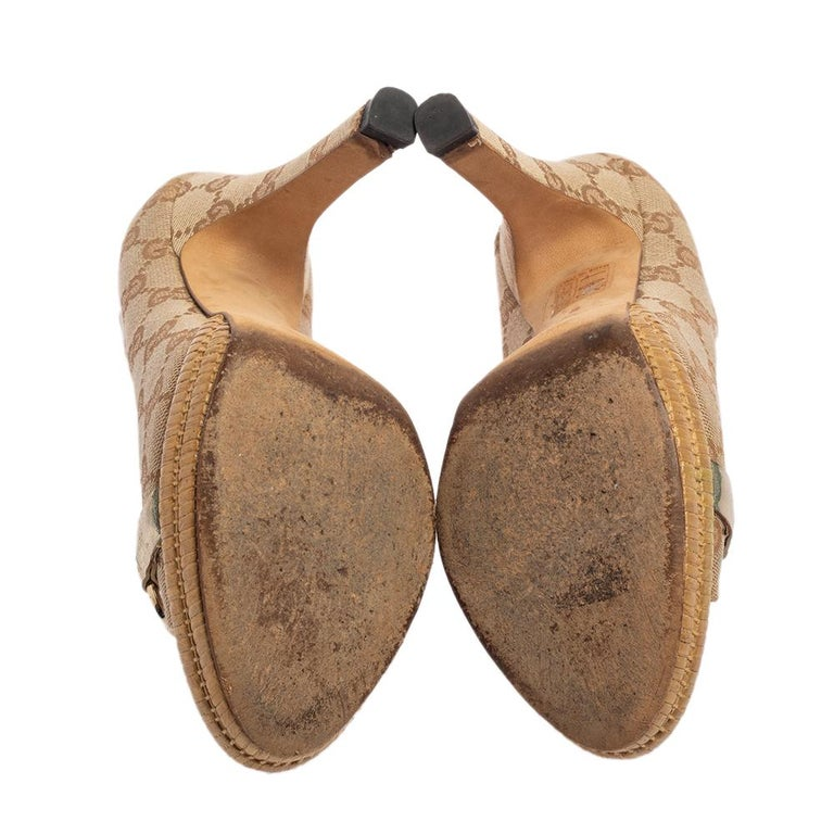 Women's Gucci Beige GG Canvas Horsebit Open Toe Platform Pumps Size 36 For Sale