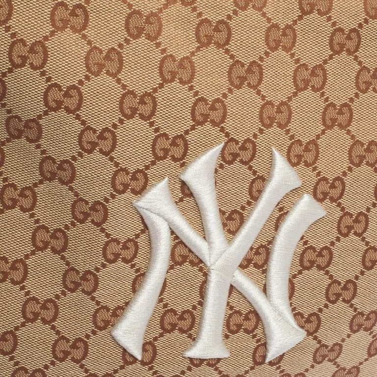 Gucci Beige GG Canvas Medium NY Yankees Backpack For Sale 7