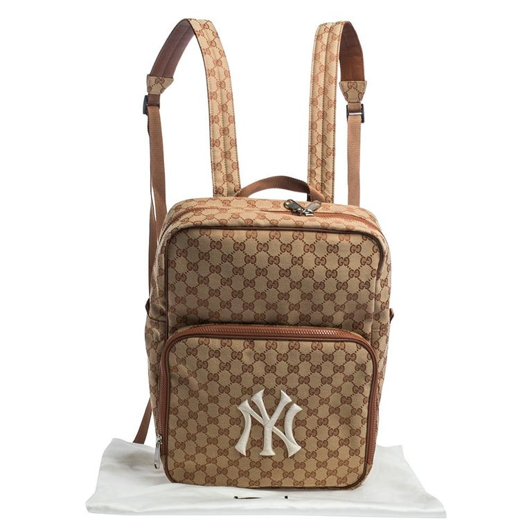 Gucci Beige GG Canvas Medium NY Yankees Backpack For Sale 9