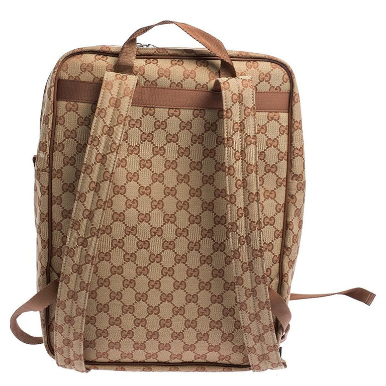 You are going to love owning this backpack from Gucci as it is well-made and brimming with luxury. The bag has been crafted from GG coated canvas and designed with NY Yankees embroidery on the exterior zip pocket. It boasts of a well-sized canvas