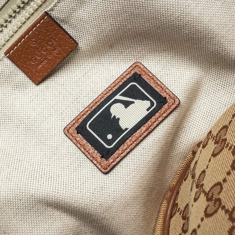 Gucci Beige GG Canvas Medium NY Yankees Backpack For Sale 3