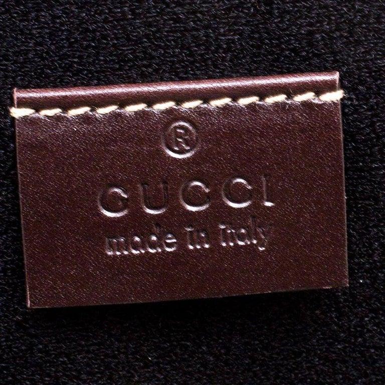 238428da721 Gucci Beige GG Supreme Canvas Interlocking GG Netbook Case For Sale ...