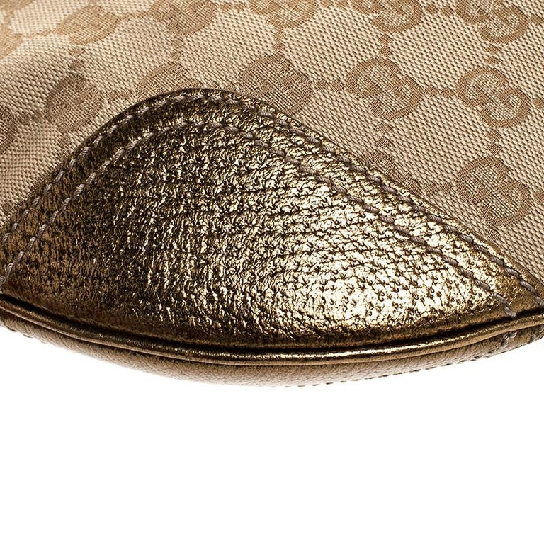 Women's Gucci Beige/Gold GG Canvas and Leather Small Princy Hobo For Sale