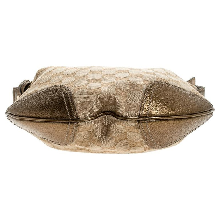 Gucci Beige/Gold GG Canvas and Leather Small Princy Hobo For Sale 1