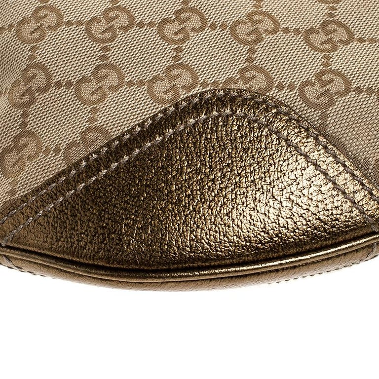 Gucci Beige/Gold GG Canvas and Leather Small Princy Hobo For Sale 3