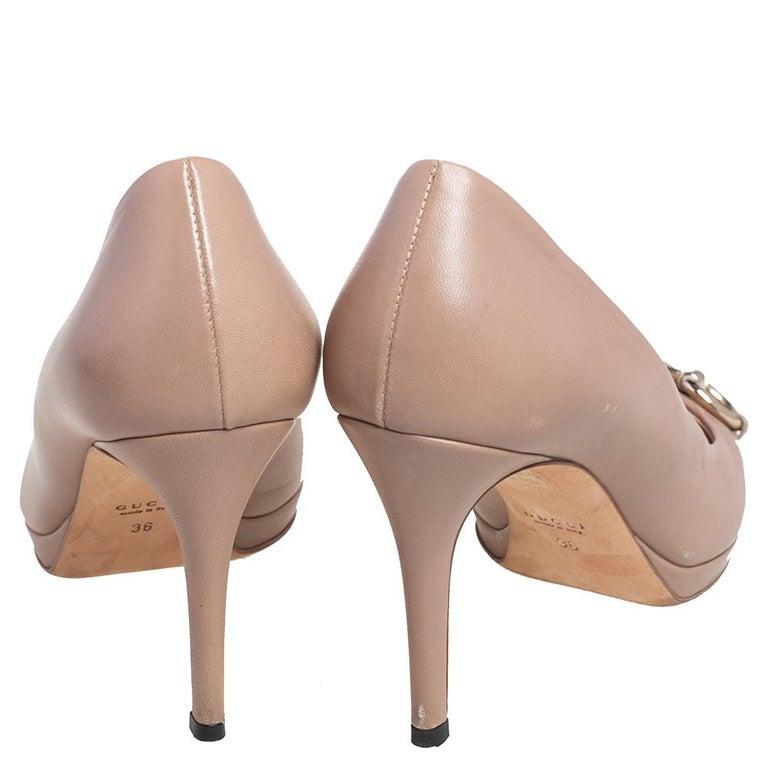 Gucci Beige Leather Horsebit Peep Toe Pumps Size 36 For Sale 1