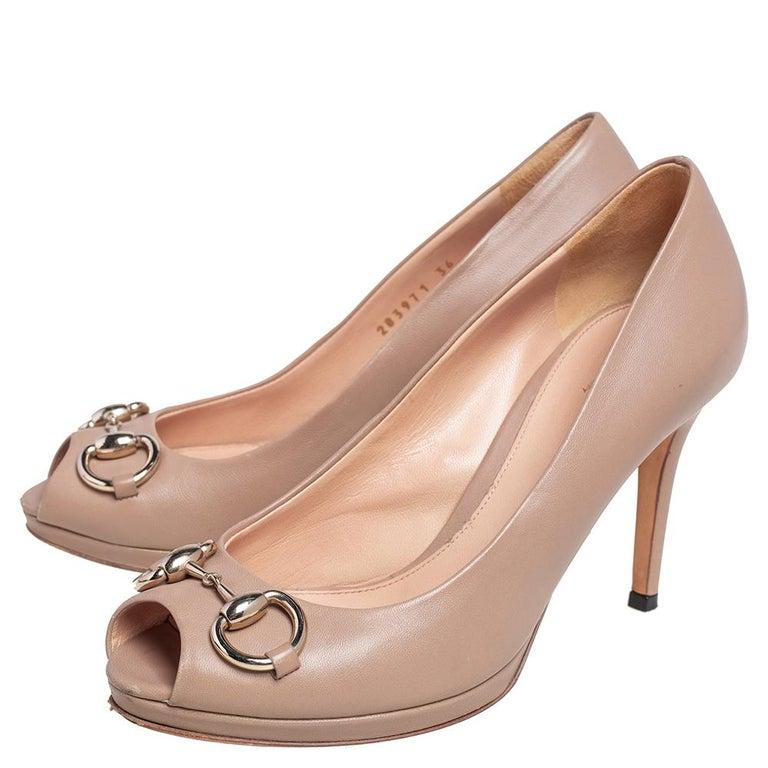 Gucci Beige Leather Horsebit Peep Toe Pumps Size 36 For Sale 3