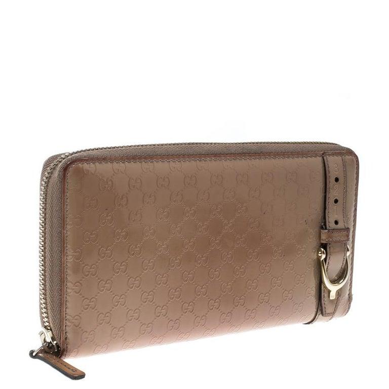 846f8227369 Gucci Beige Micro Guccissima Patent Leather Zip Around Wallet In Good  Condition For Sale In Dubai