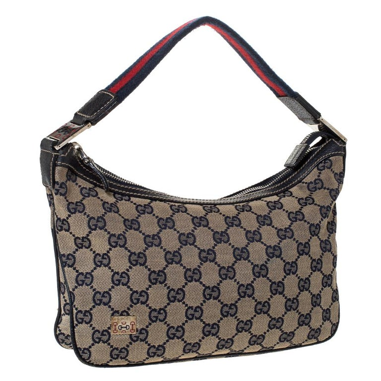Gucci Beige/Navy Blue GG Canvas and Leather Web Shoulder Bag In Good Condition For Sale In Dubai, Al Qouz 2