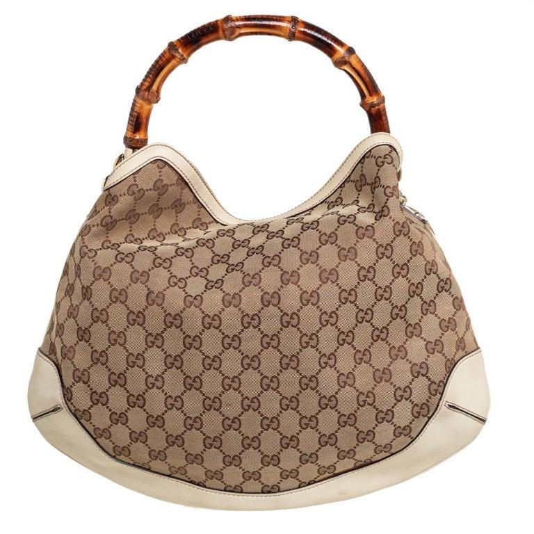 Gucci Beige/Off White GG Canvas Diana Bamboo Hobo In Good Condition For Sale In Dubai, Al Qouz 2