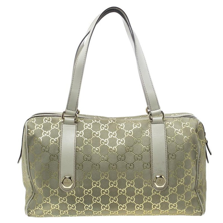 9a3a413634465b Gucci Beige/Off White GG Suede Boston Bag For Sale at 1stdibs