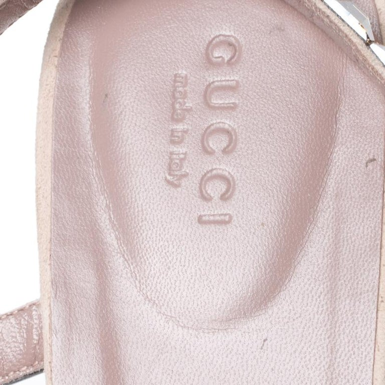 Gucci Beige/Pink Crystal Embellished Suede Mallory Thong Flats Size 39.5 For Sale 2