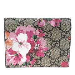 Gucci Beige/Pink GG Supreme Canvas Blooms Card Case