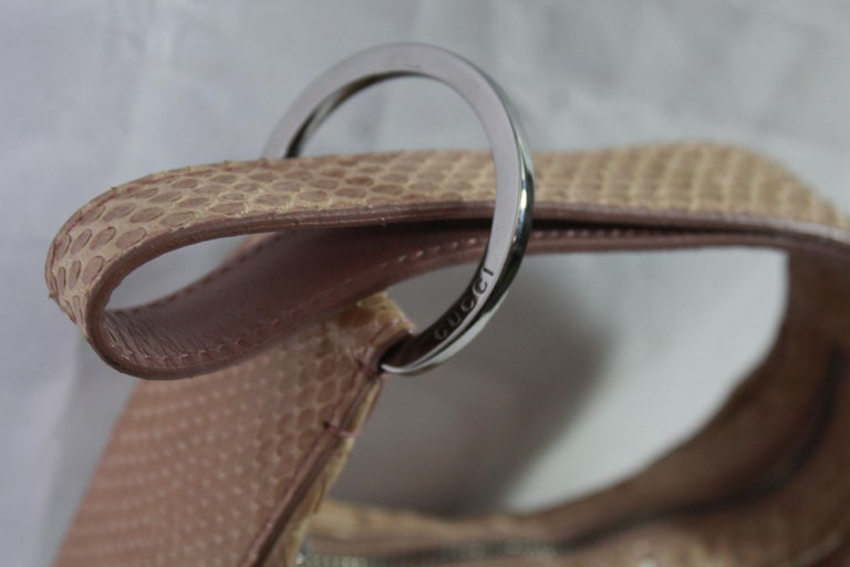 Mini nano Gucci handbag in Python leather. Good condition, light signs of use. micro staain of sstyle (2mm) Size 17*10 cm