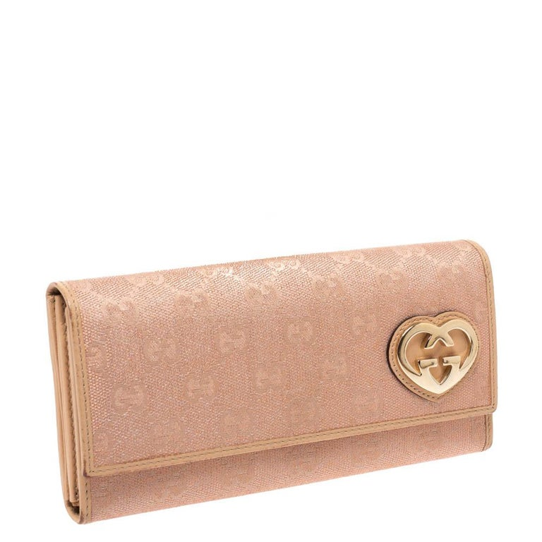 Gucci Beige/Pink Shimmer GG Canvas Lovely Heart Continental Wallet In Good Condition For Sale In Dubai, Al Qouz 2