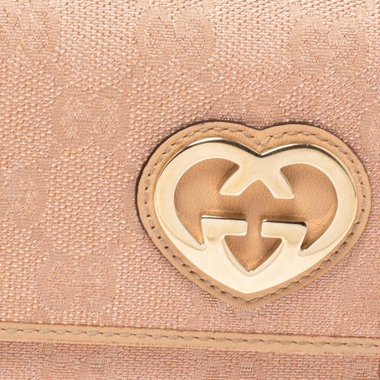 Gucci Beige/Pink Shimmer GG Canvas Lovely Heart Continental Wallet For Sale 1