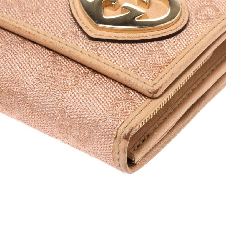 Gucci Beige/Pink Shimmer GG Canvas Lovely Heart Continental Wallet For Sale 2