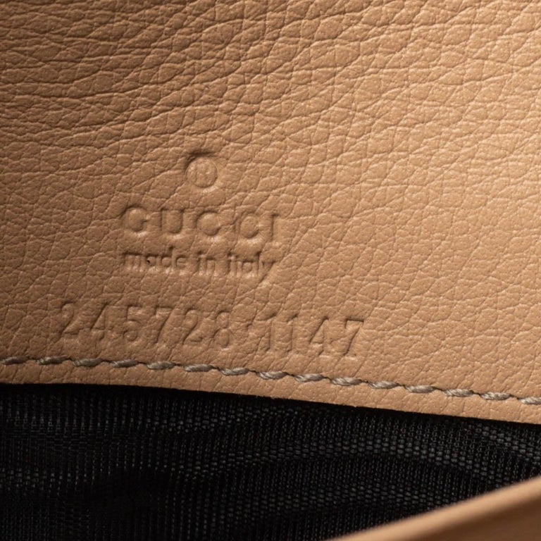 Gucci Beige/Pink Shimmer GG Canvas Lovely Heart Continental Wallet For Sale 5