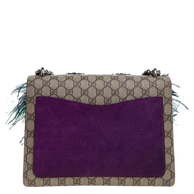 Picture yourself swinging this gorgeous bag at your outings with friends or at social gatherings and imagine how it will not only complement all your outfits but fetch you endless compliments. This Gucci creation has been beautifully crafted from GG