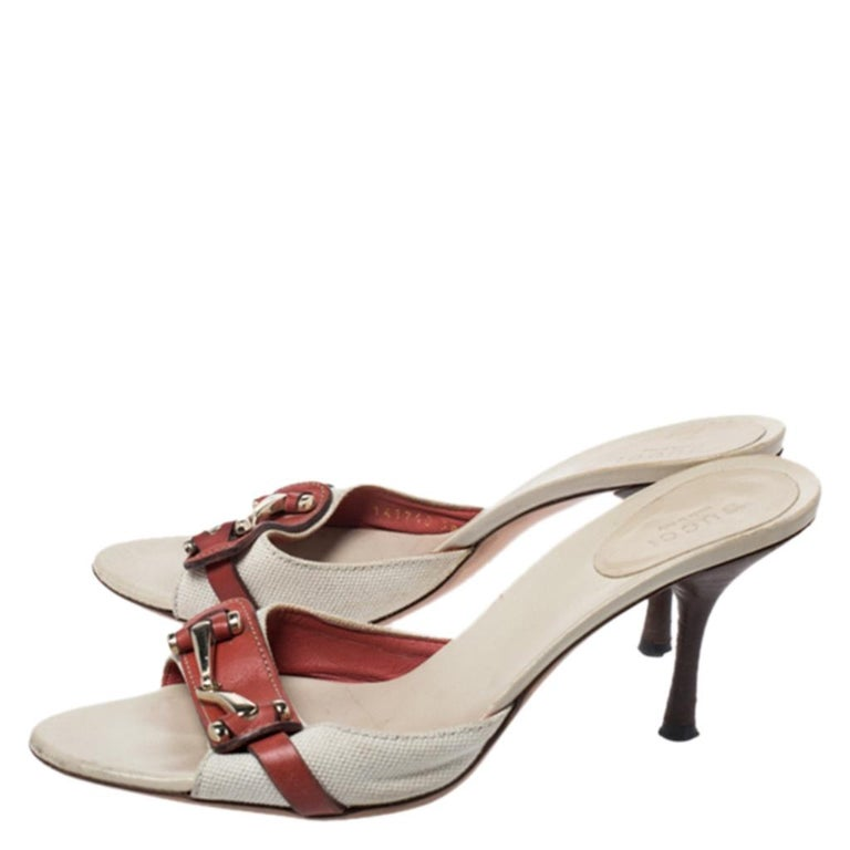 Women's Gucci Beige/Red Canvas and Leather Open Toe Slide Sandals Size 38 For Sale