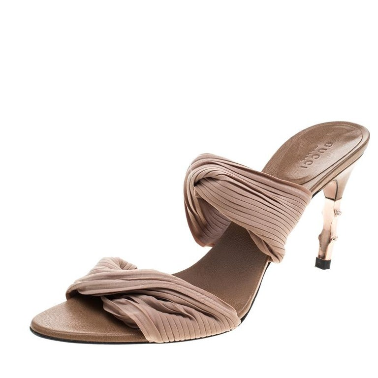 2cdb6cd673f Gucci Beige Stretch Plisse Fabric Bamboo Heel Slides Size 38.5 For Sale