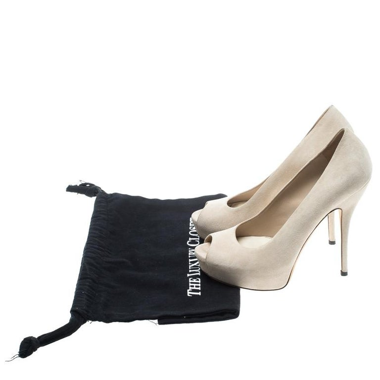 6485c46da Gucci Beige Suede Sofia Peep Toe Platform Pumps Size 37 For Sale at ...