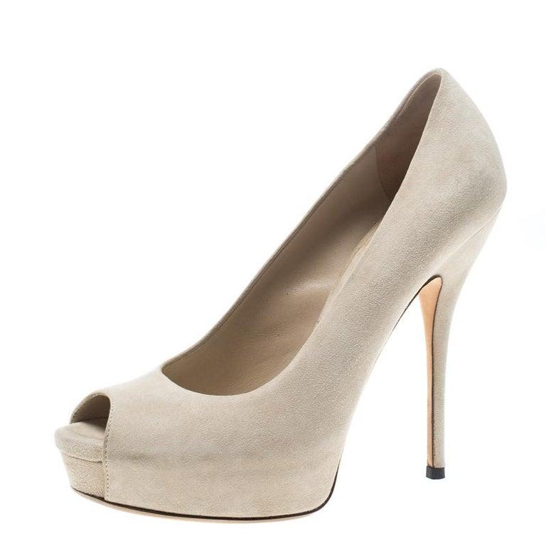 0d01096cf Gucci Beige Suede Sofia Peep Toe Platform Pumps Size 37 For Sale at ...