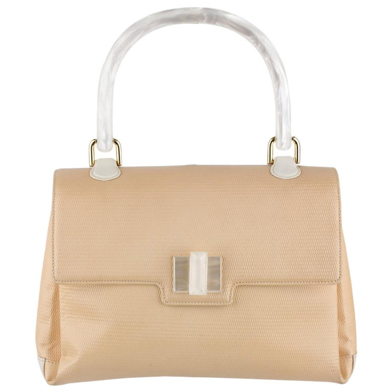 Gucci Beige Textured Leather Handbag with Lucite Handle For Sale