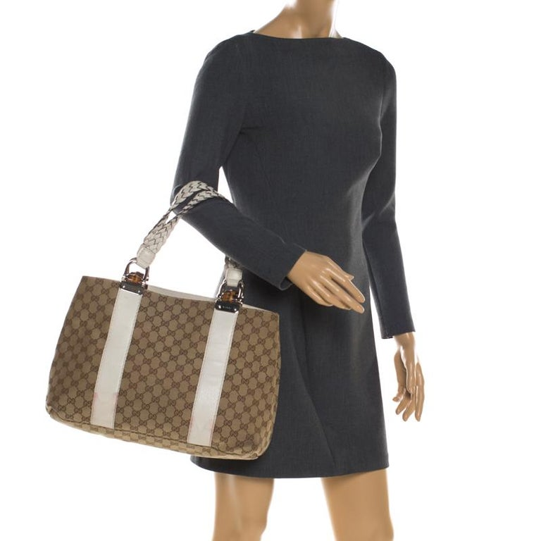Brown Gucci Beige/White GG Canvas Medium Bamboo Bar Tote For Sale