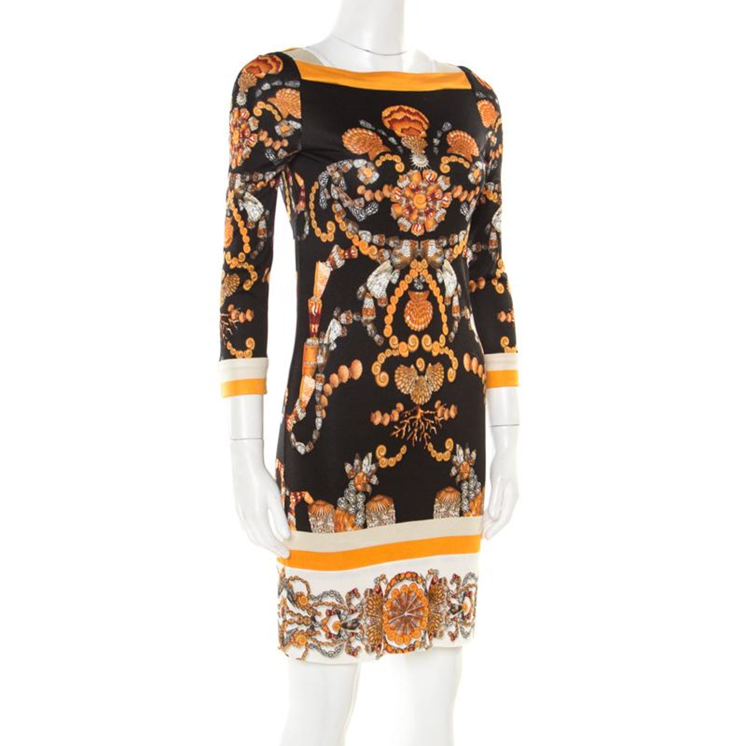 20b0ad515 Gucci Black and Gold Sea Shell Print Jersey Shift Dress S For Sale at  1stdibs
