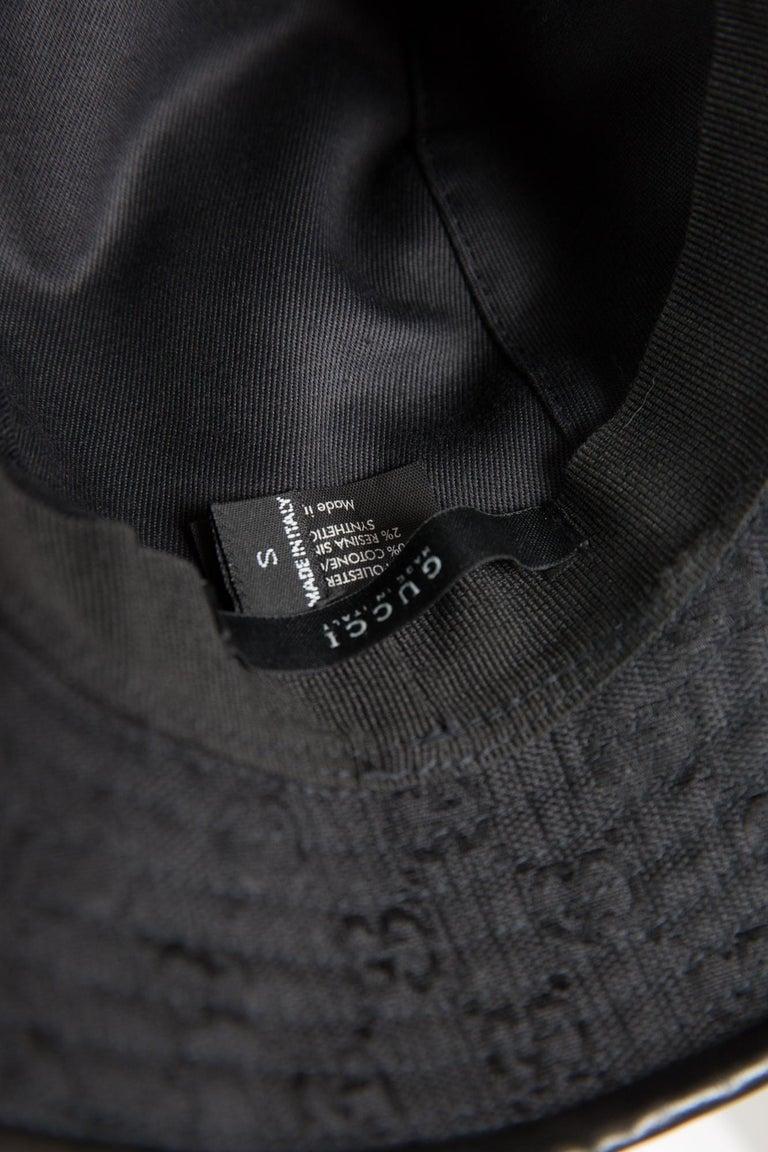 Women's or Men's Gucci Black Cotton Monogram Bucket Hat For Sale