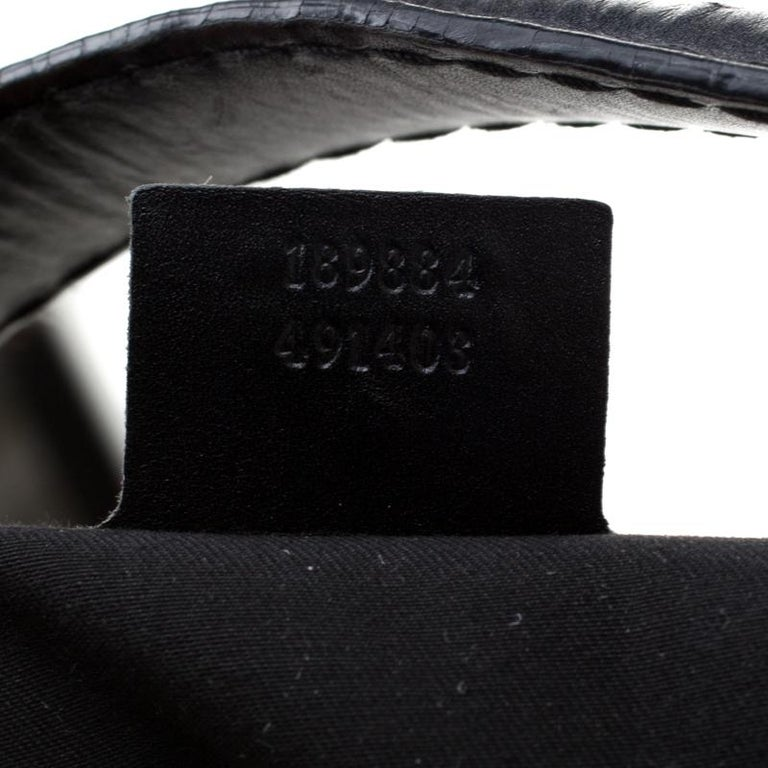 Women's Gucci Black GG Canvas and Leather Queen Hobo For Sale