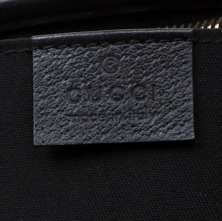Gucci Black GG Canvas and Leather Small Abbey Shoulder Bag For Sale 5