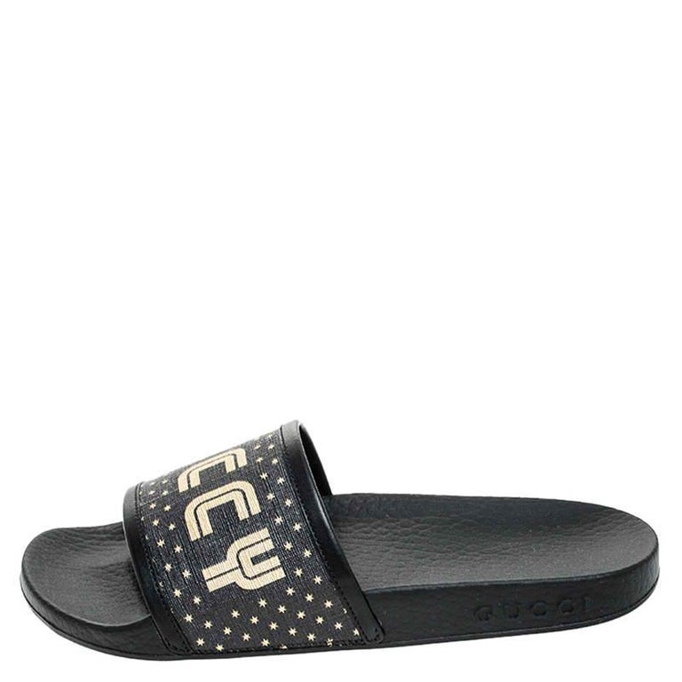 Women's Gucci Black/Gold Coated Canvas Guccy Slip On Slides Size 35 For Sale