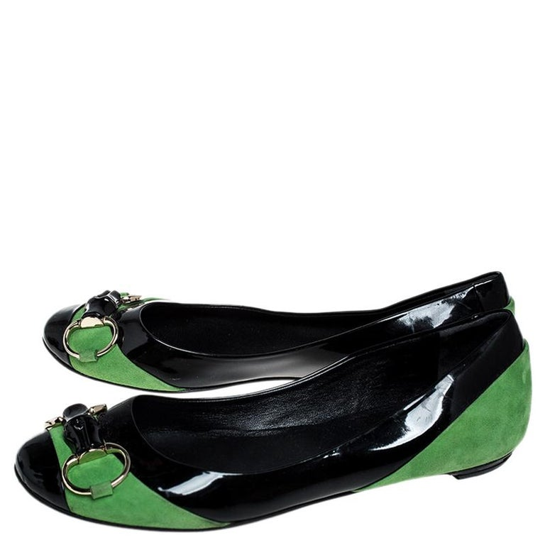 Women's Gucci Black/Green Patent Leather And Suede Bamboo Horsebit Ballet Flats Size 36 For Sale