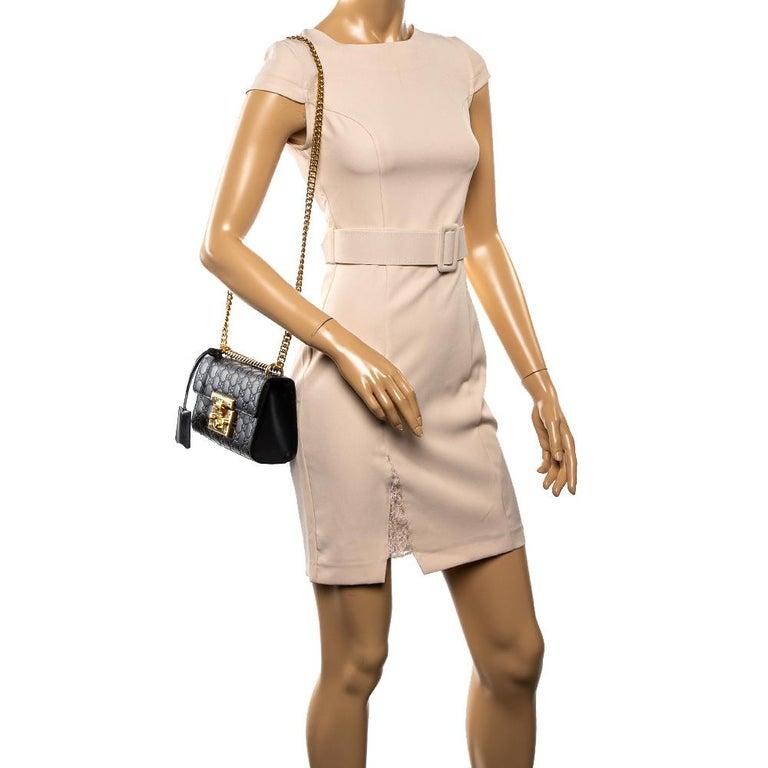 Gucci Black Guccissima Leather Small Padlock Shoulder Bag In Good Condition In Dubai, Al Qouz 2