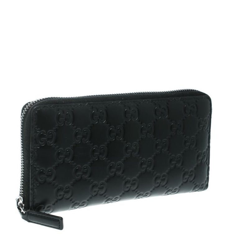 04472c3760a6 Gucci Black Guccissima Leather Zip Around Wallet For Sale at 1stdibs